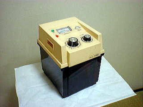 初期の据え置き型電気分解生成器の写真